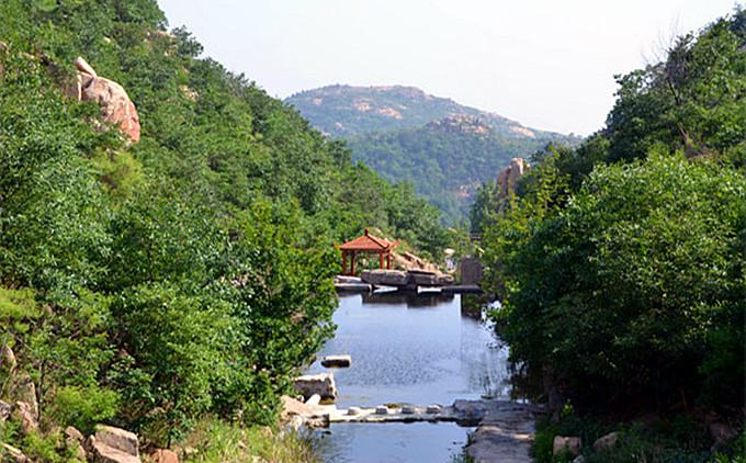 莲青山+微山湖红荷湿地二日游