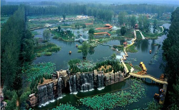 枣庄冠世榴园离微山湖湿地多远