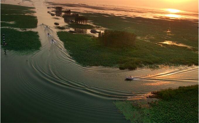 枣庄微山湖红荷湿地自驾旅游