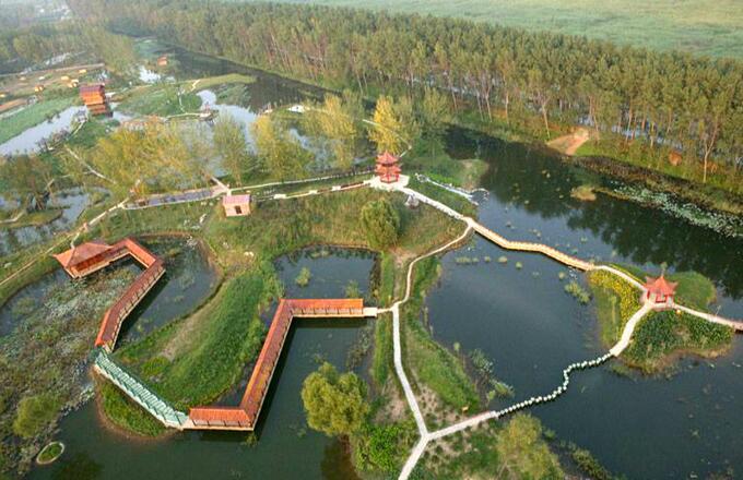 夏季自驾游-微山湖湿地旅游景点之码头晨曲