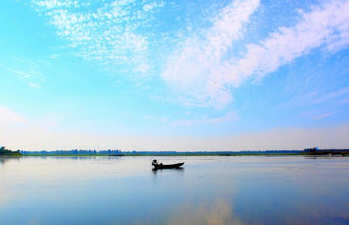 夏季自驾游-微山湖湿地周边景点台儿庄古城