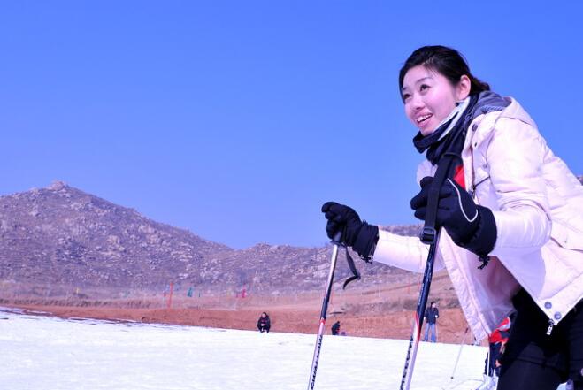 滕州莲青山滑雪场门票价格,莲青山滑雪场门票团购