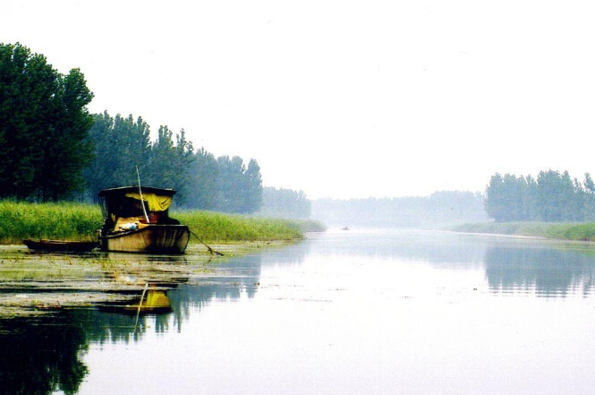 微山湖自驾游门票注意事项-湖水